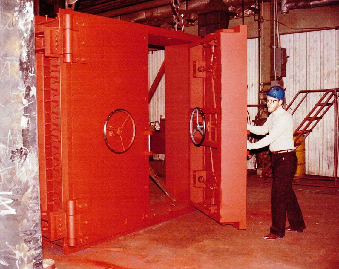 Government Agencies Electric Power Door