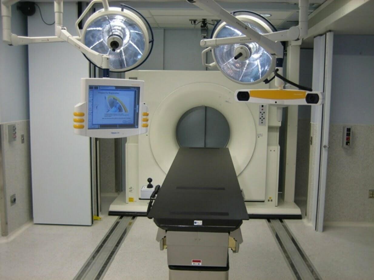 Medical & Healthcare Specialty Doors - Electric Power Door