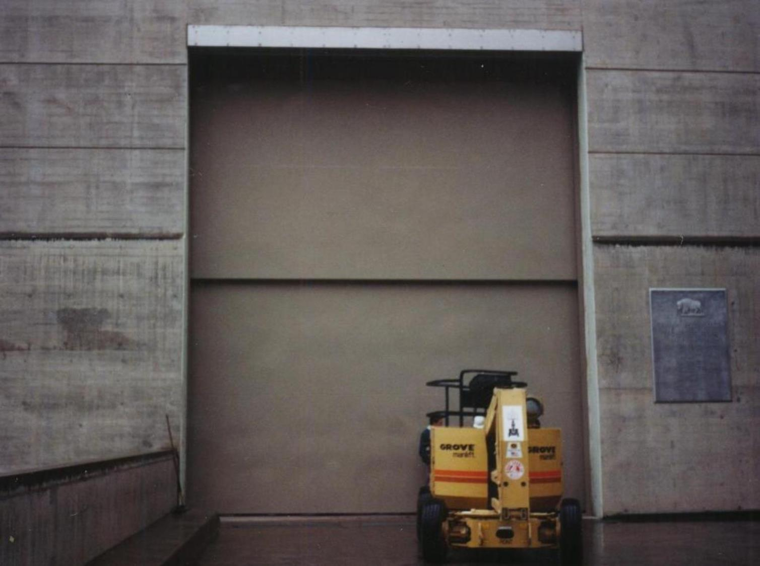 Vertical Lift Doors