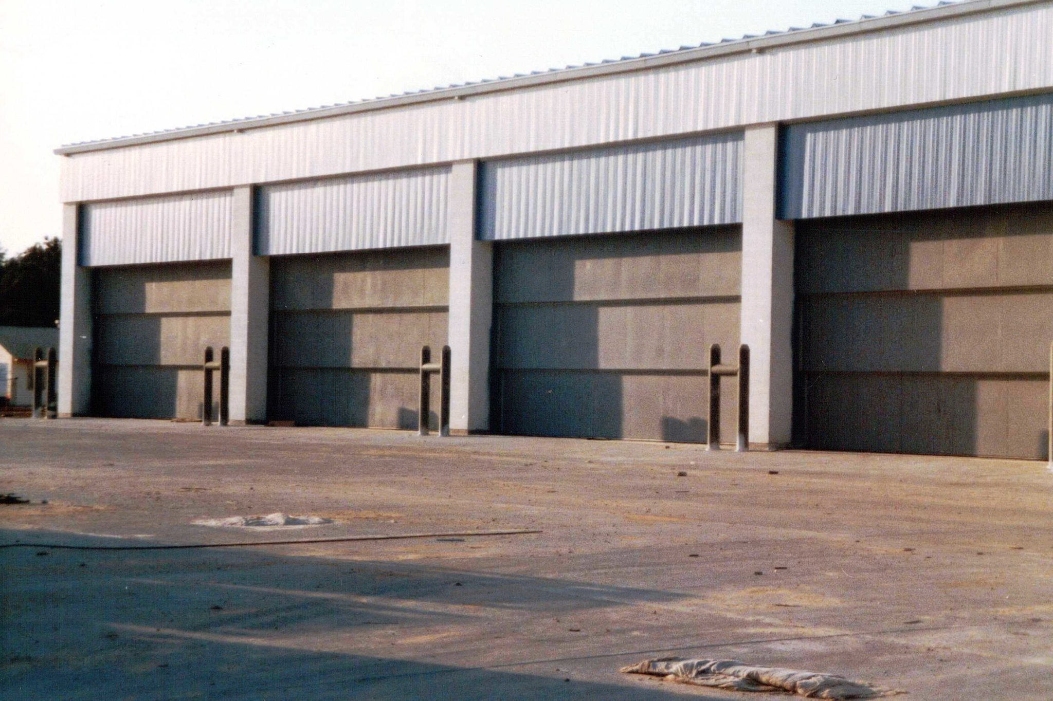 Vertical Lift Doors / Vertical Drop Doors