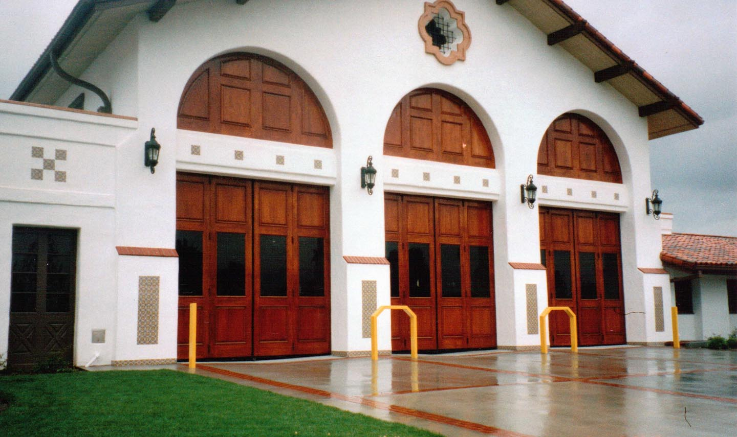 Fire Station Four Fold Doors Electric Power Doorelectric